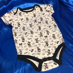 🔴5 for 25🔴 Disney Mickey Mouse onesie 18 month